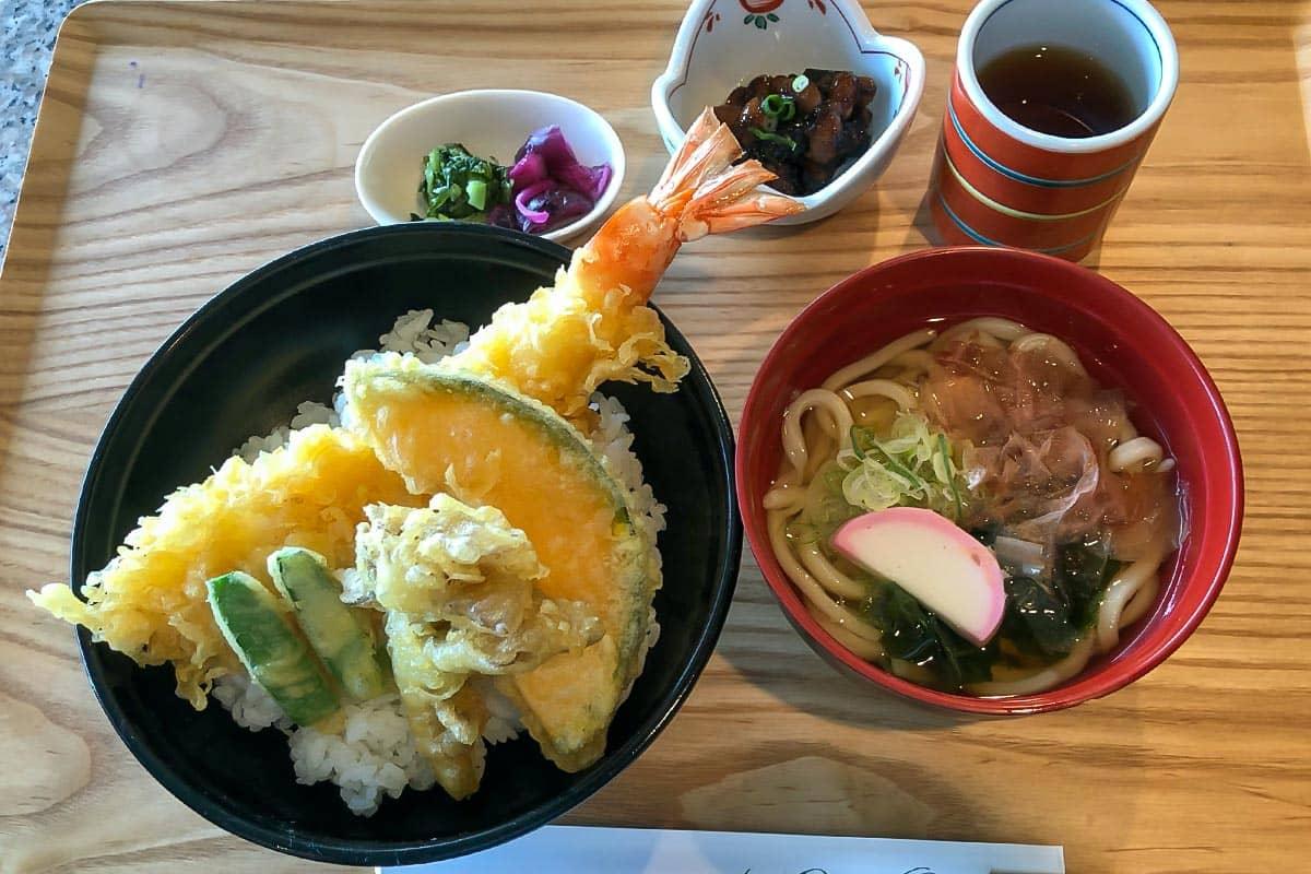 大海老天丼と小さな麺セット